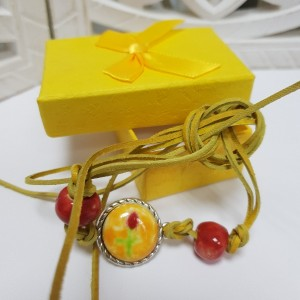 Bransoletka z żółtym oczkiem