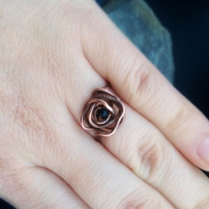 Pierścionek ochronny - rozmiar 14, róża