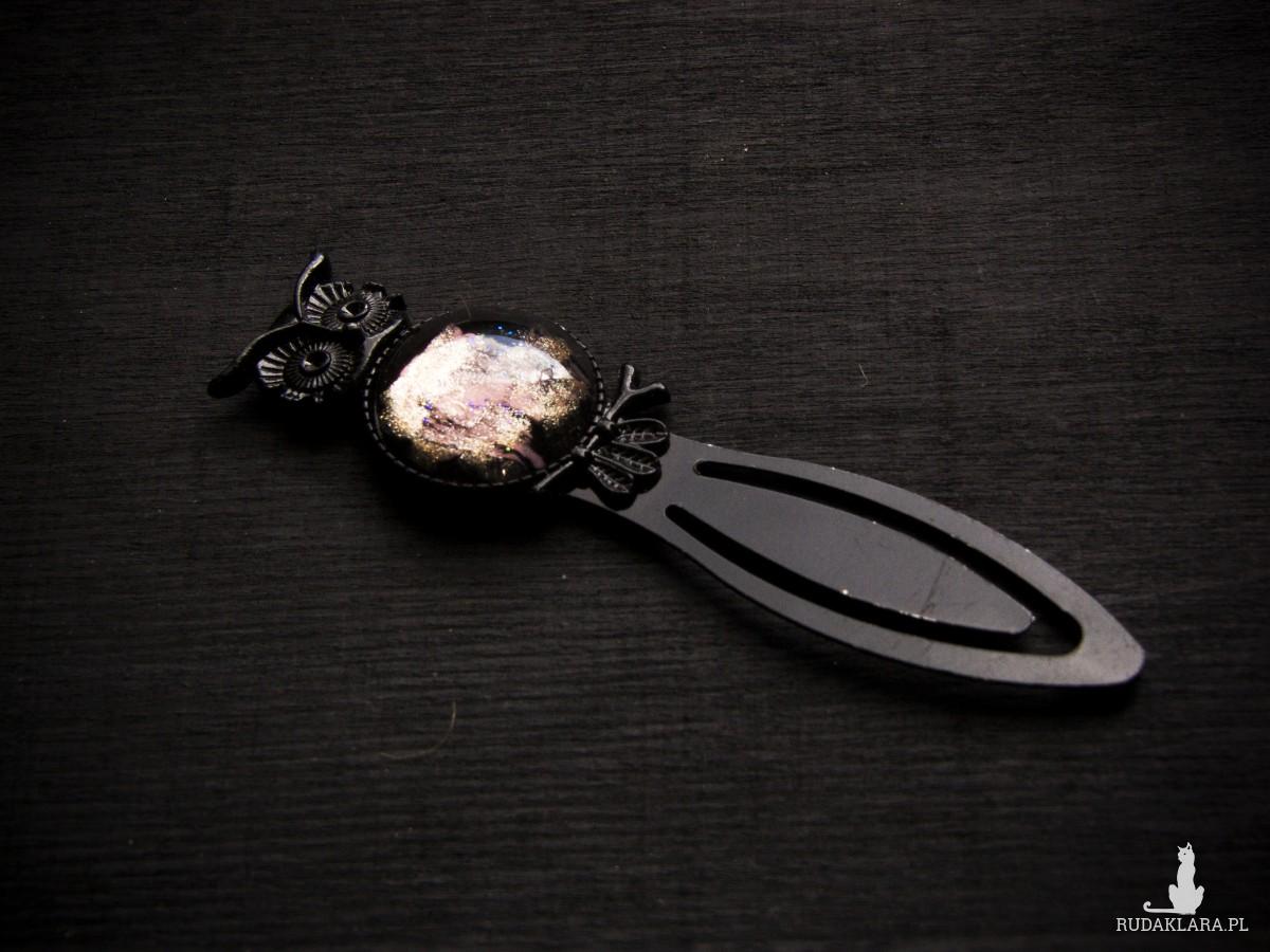 Metalowa zakładka z sową, czarna z miedzią i różem