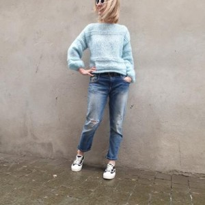 Sweter BLUE DAY