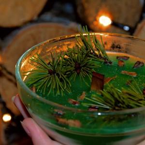 Ręcznie robiona świeca sosnowa