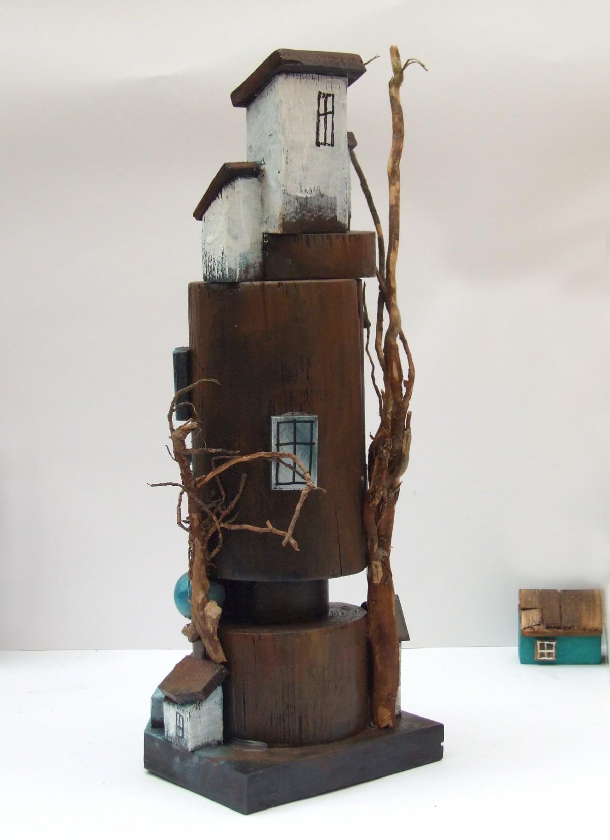Wieża z domkami - dekoracja do domu