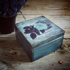 Pudełko z kwiatem Vintage