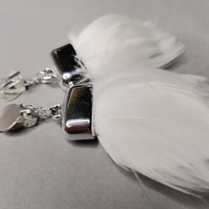 klipsy białe pióra