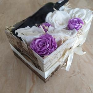 Box kwiatowy z miejscem na wino