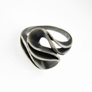 Fala - pierścionek srebrny