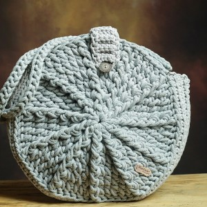 Torebka ze sznurka bawełnianego.