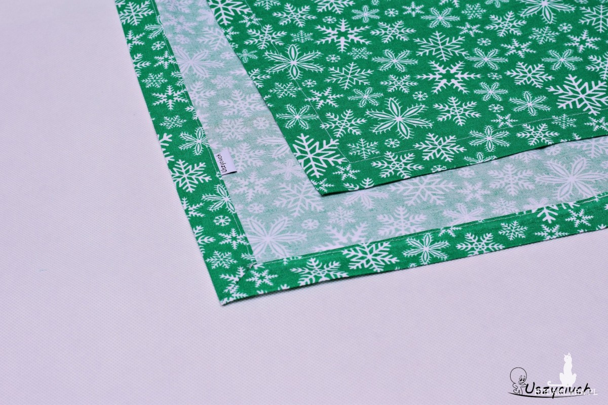 Bieżnik świąteczny zielone śnieżki