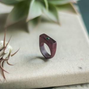 Drewniany pierścionek z zielonym awenturynem