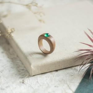 Pierścionek z zielonym agatem