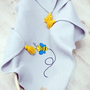 Kocyk wafelkowy z haftem  - pszczółka