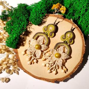 Hanako -  kolczyki sutasz i kwiat z haftu koralikowego