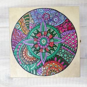 Drewniana skrzynka -mandala 1