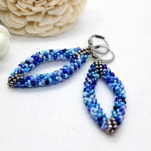 Niebieskie kolczyki 3D z koralików