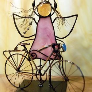 Aniołek witrażowy 3D rowerzysta/rowerzystka