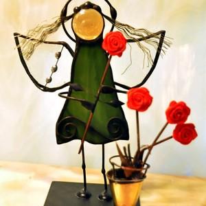 Aniołek witrażowy 3D kwiaciarka