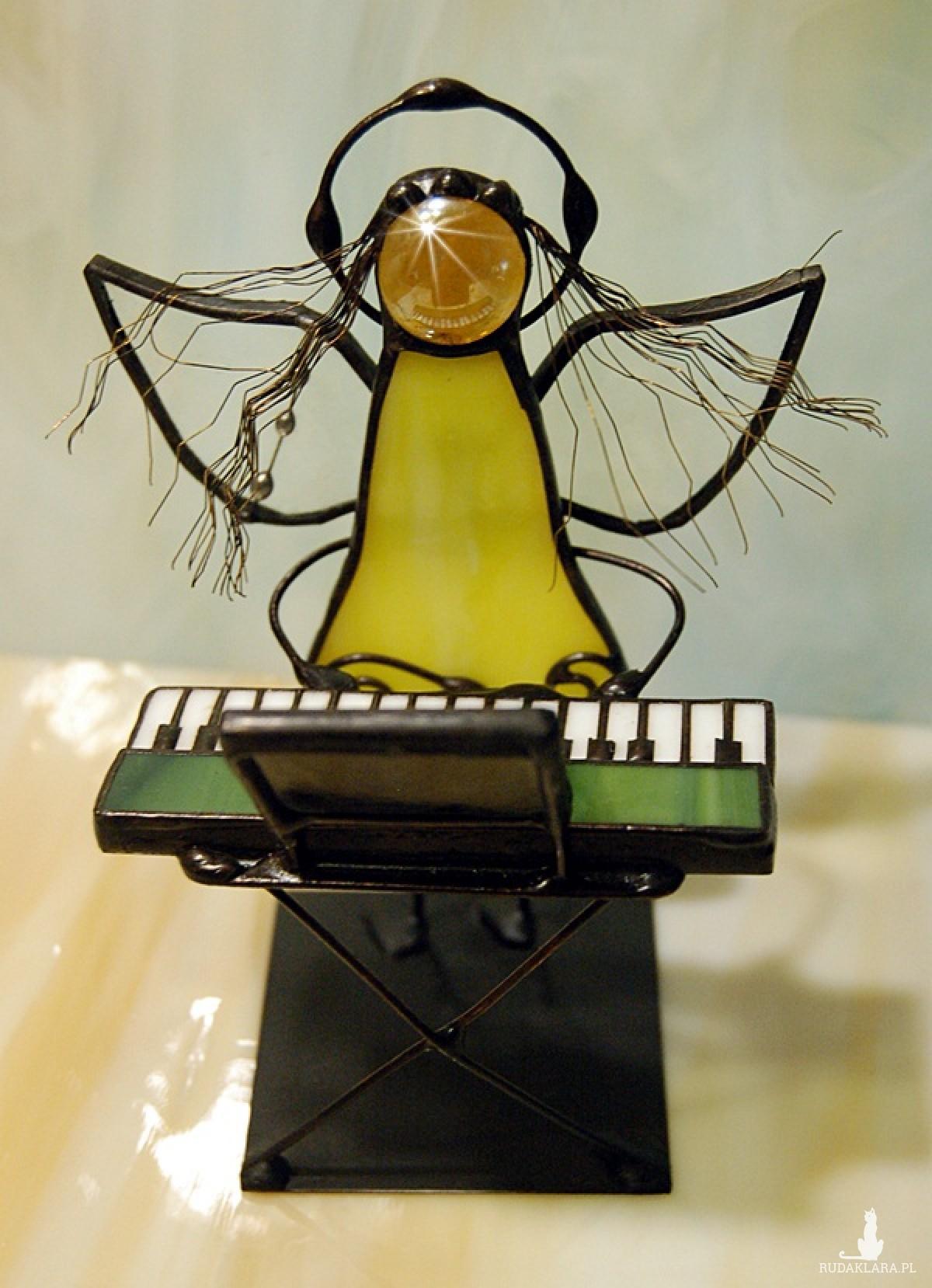 Aniołek witrażowy 3D  pianista