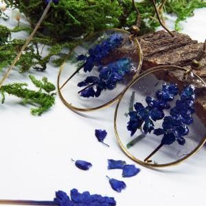 Kwiaty  w Żywicy -  kolczyki żywica szafirki