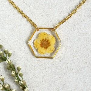 Wisiorek z kwiatkiem 23 mm