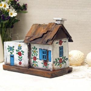 Malowany domek - drewniany organizer
