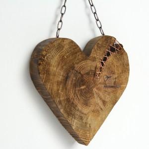 Serce z wiekowego drewna. Idealny upominek.