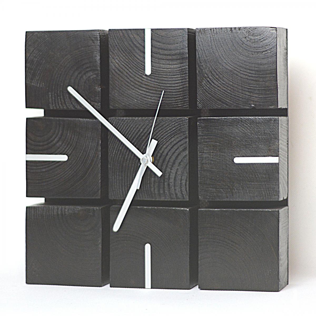 Zegar z kostek drewnianych w kolorze wenge