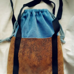 Niebieska torba worek z kominem