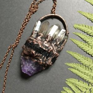 duży wisior z kryształem górskim, ametystem i czarnym turmalinem