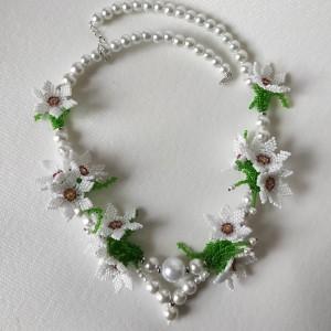 Stokrotki w perłach