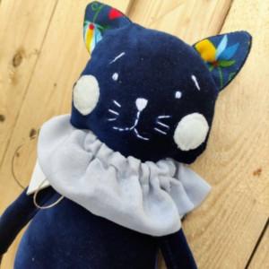 Kot welurowy, przytulanka dla dzieci