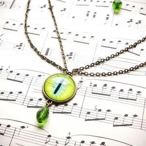 Krótki naszyjnik z zielonym okiem