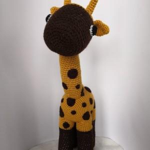 Zabawka Zyrafa na szydełku