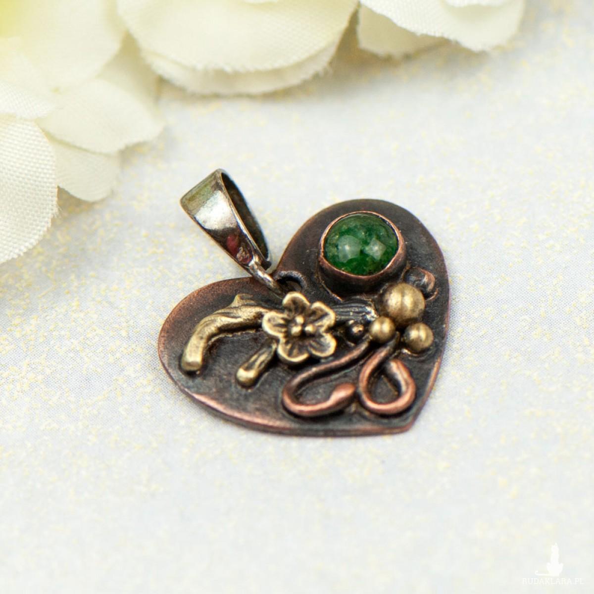 Miedziany wisiorek serce z zielonym awenturynem c855-12
