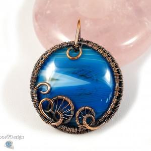 Agat, Miedzinay wisior z agatem biało  niebieskim, ręcznie wykonany, prezent dla niej, prezent dla mamy prezent urodzinowy biżuteria autorska