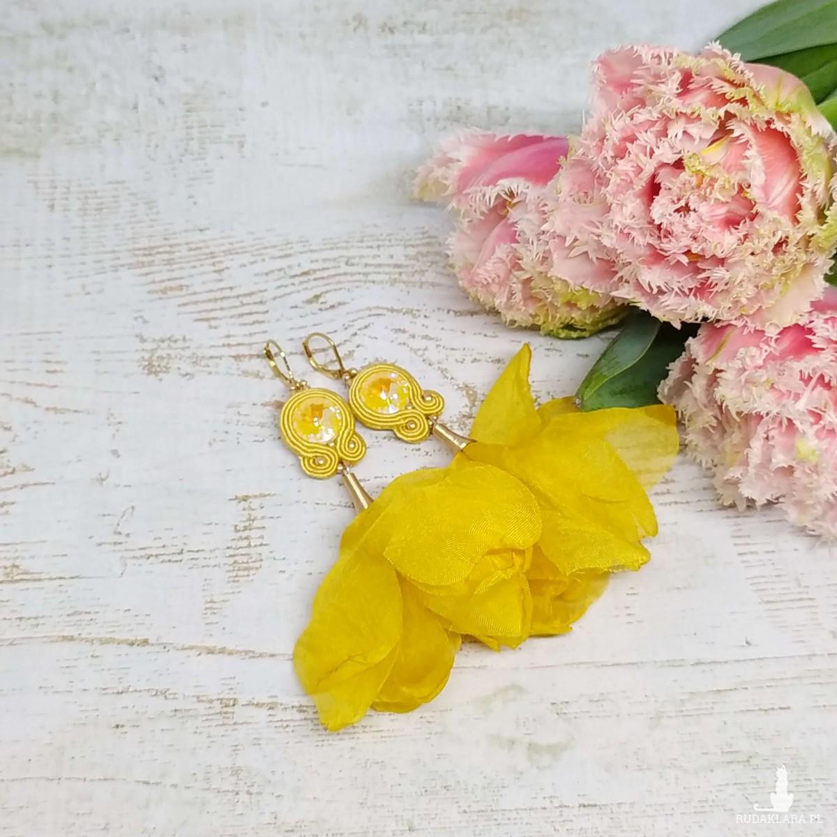 Żółte kolczyki sutasz z kwiatami - Tancerki