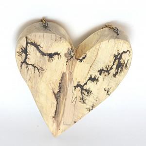 Serce z brzozowego drewna. Idealny upominek.