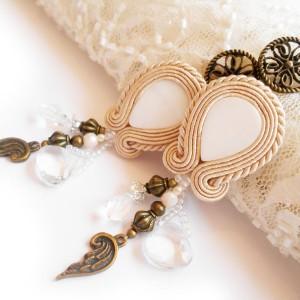 KOLCZYKI SUTASZ BOHO perłowe łezki ecru hand made