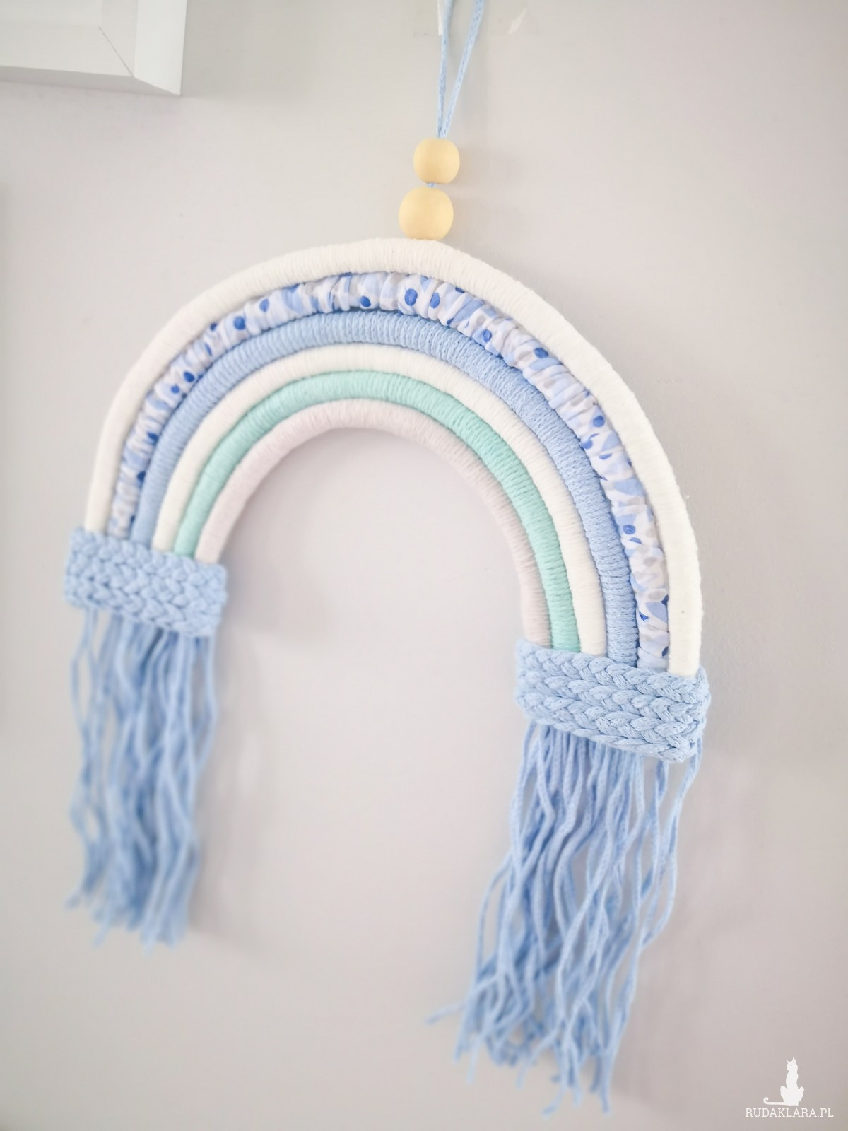 Makrama ścienna tęcza ze sznurka niebieska