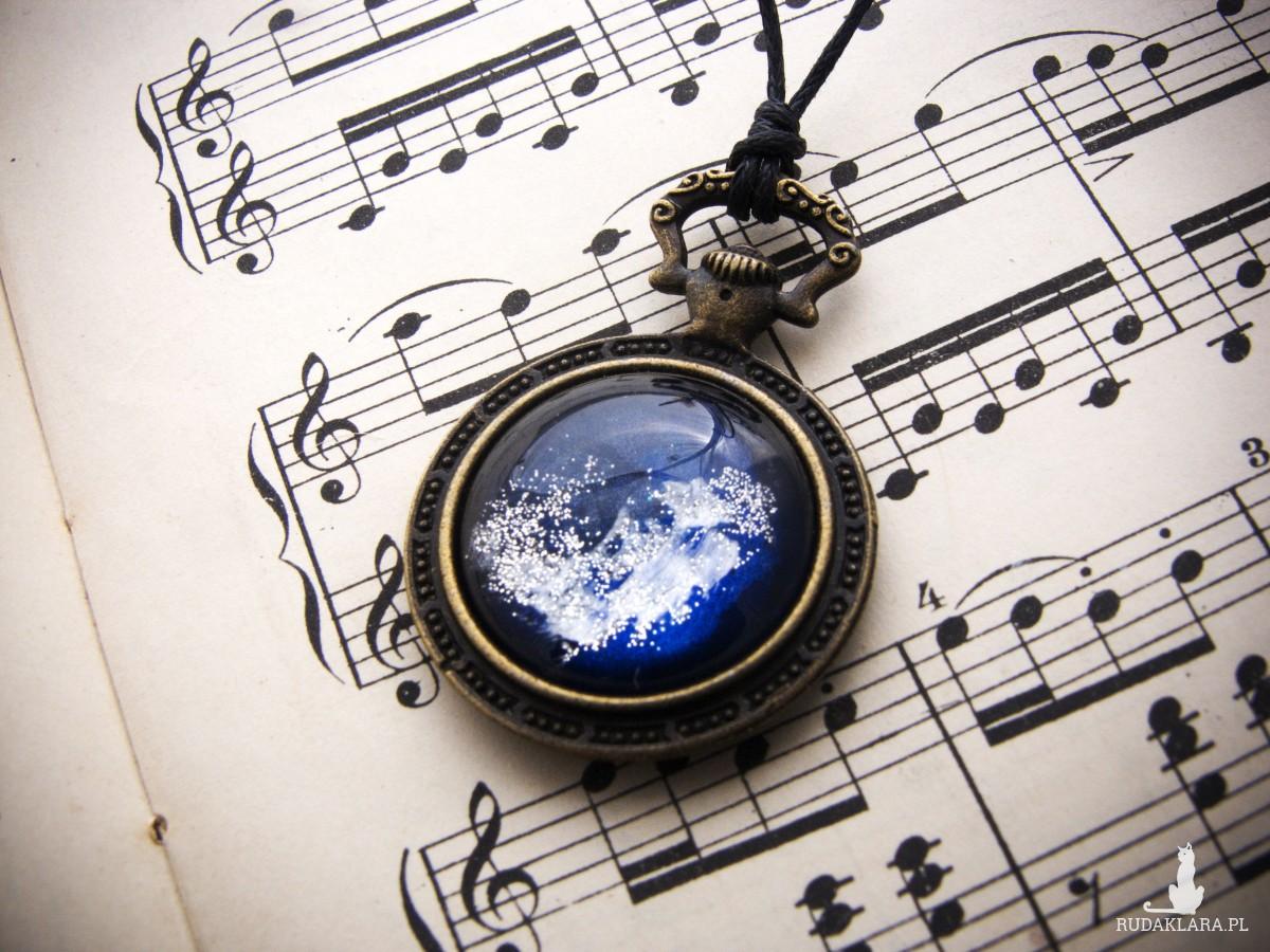 Naszyjnik zegarek z nocnym niebem