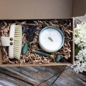 Duży zestaw prezentowy ze świecą zapachową