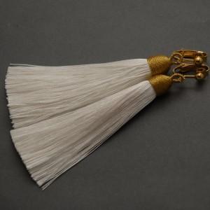 kolczyki lub klipsy z chwostami (białe)