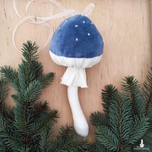 Welwetowy muchomor (niebieski)