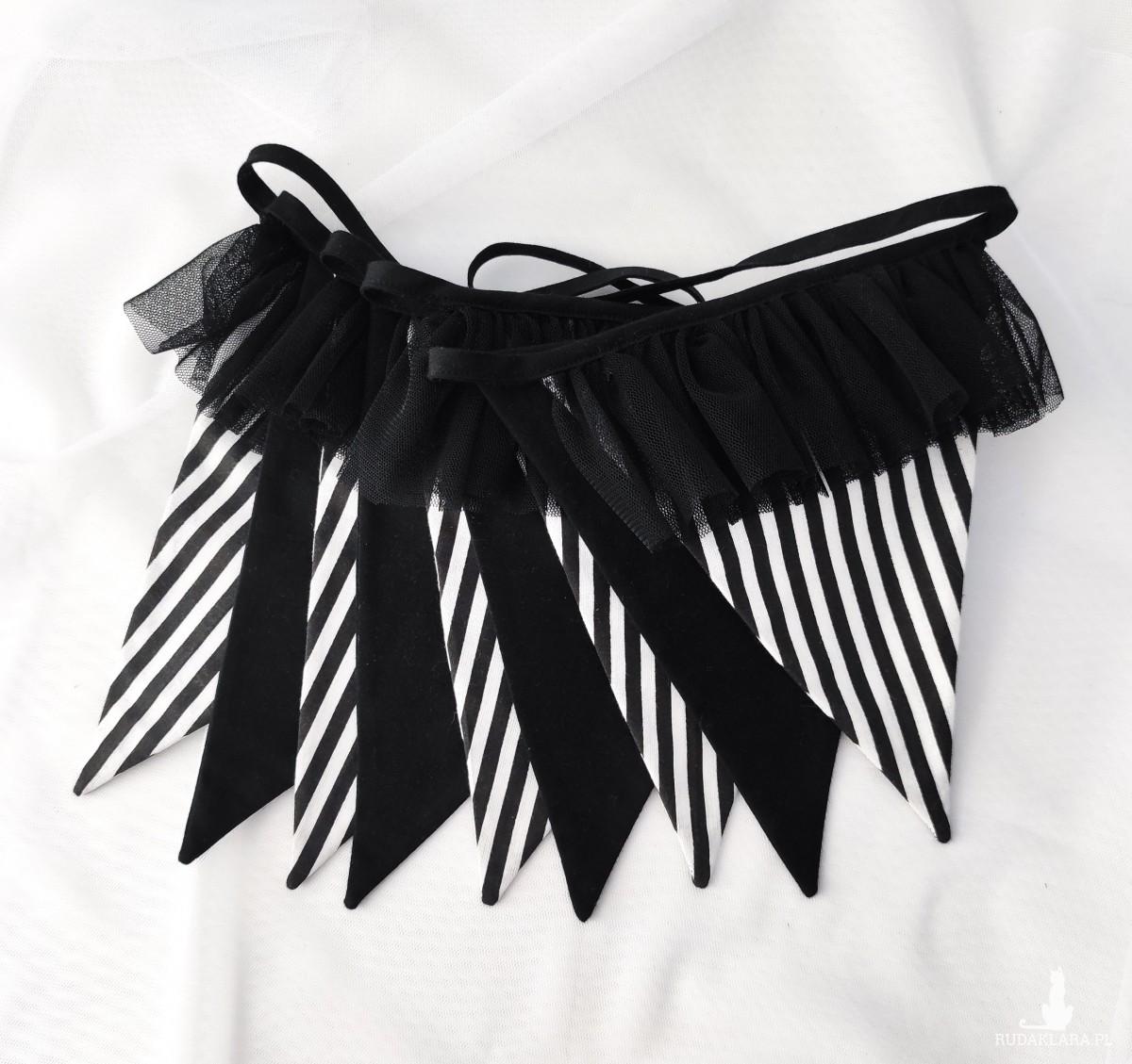 Czarna girlanda z falbanką z tiulu