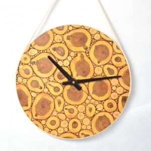 Zegar z plastrów drewna