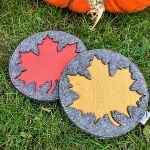 Podkładka filcowa z liściem klonu - mała, jesień