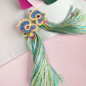 Długie kolorowe kolczyki sutasz