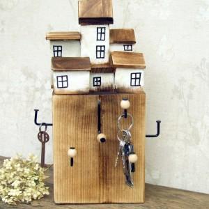 Wieszaczek na klucze - stojak z grubej belki
