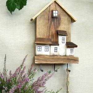 Domek - drewniany wieszaczek na klucze